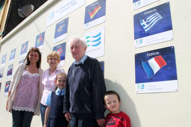 09-Mattie-and-Family-with-Eurovision-wall.jpg