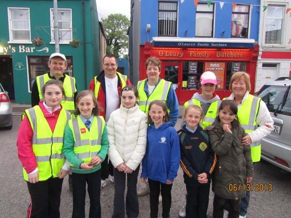 04-Volunteers-in-the-Square1.jpg