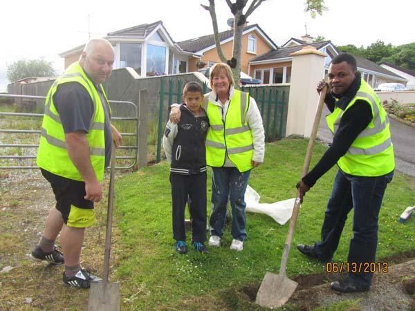 04-volunteers-from-Drishane.jpg