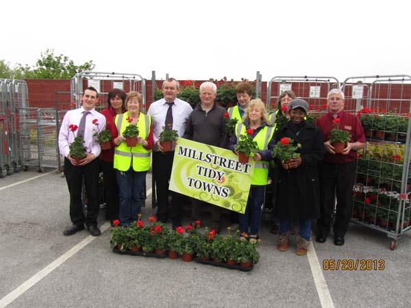 03-Flowers-presented-to-Millstreet-Tidy-Town.jpg