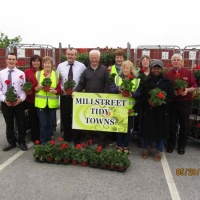03-David-Brosnan-Denis-Hickey-Joe-Fitzgerald-Supervalu-Staff-and-Millstreet-Tidy-Town-Volunteers.jpg