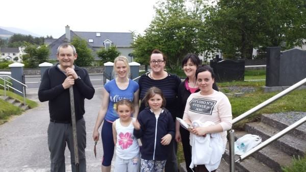 St Mary's Clean Up with Millstreet Macra1 (600 x 337).jpg