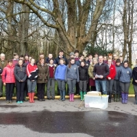 Millstreet_Tidy_Town_Association,_Tony_Keneally_&_Students[1] (600 x 337).jpg